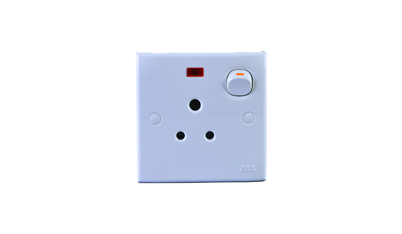 5A Switched Socket Outlet With Neon
